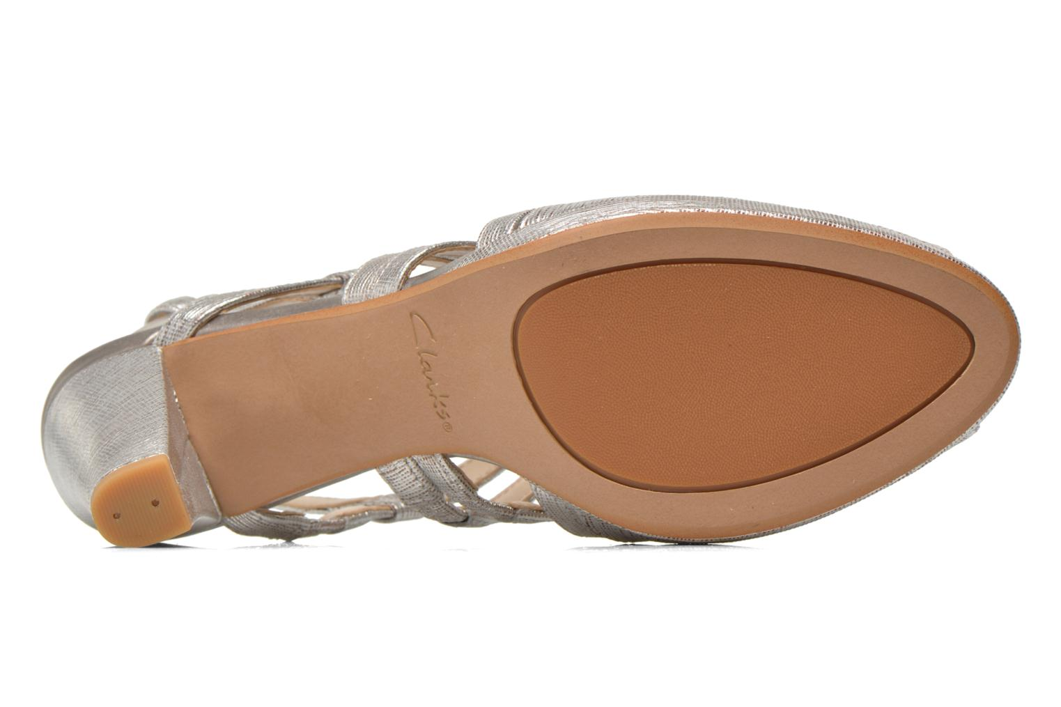 Sandals Clarks Kendra Cool Silver view from above