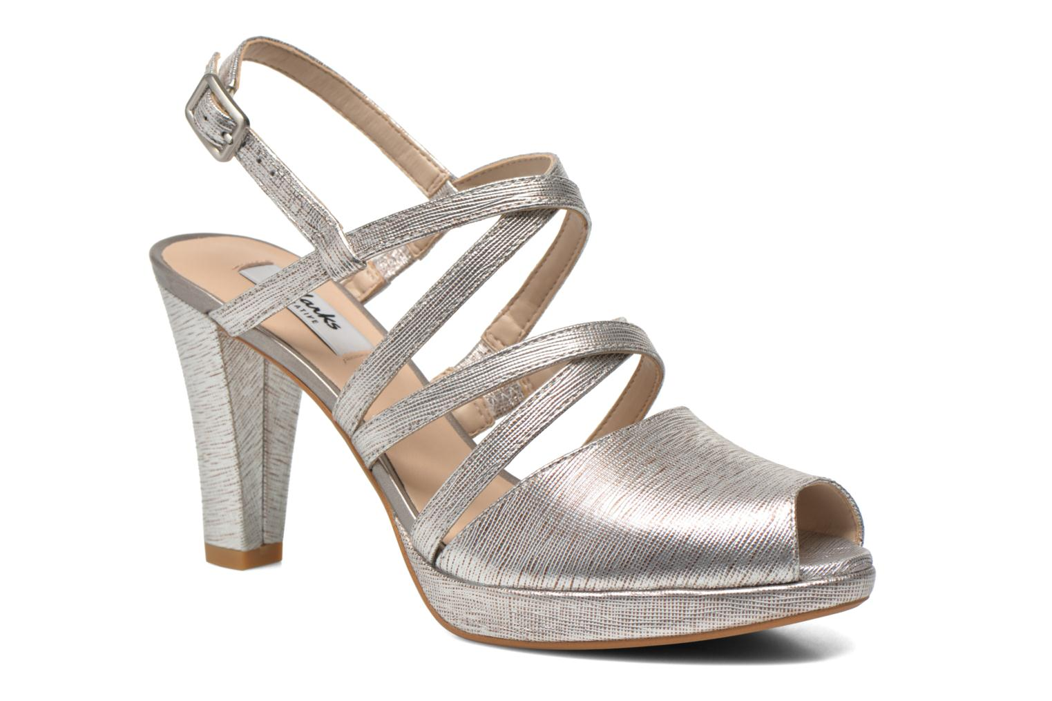 Sandals Clarks Kendra Cool Silver detailed view/ Pair view
