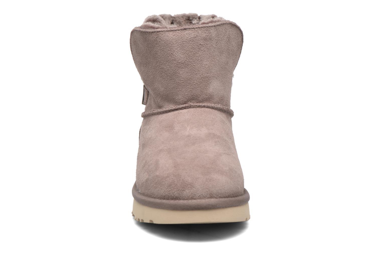 Bottines et boots UGG Adria Gris vue portées chaussures