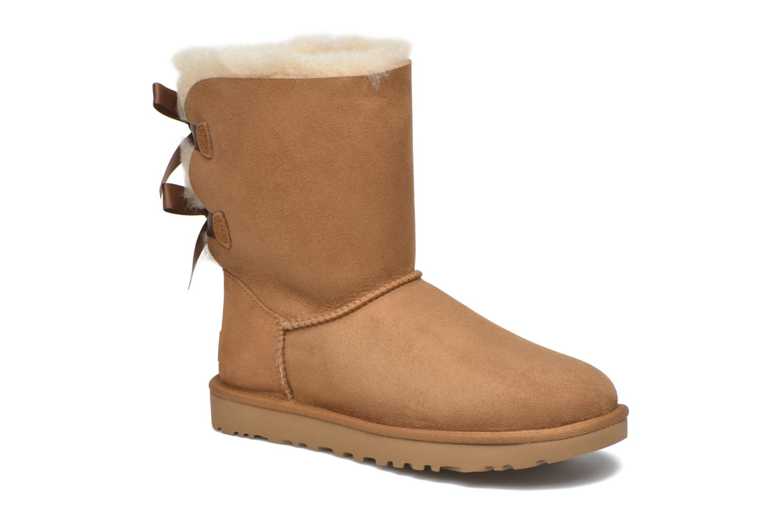 Bottines et boots UGG Bailey Bow II Marron vue détail/paire