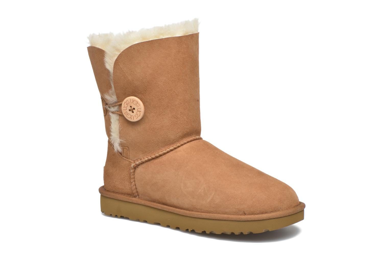 Bottines et boots UGG W Bailey Button II Marron vue détail/paire