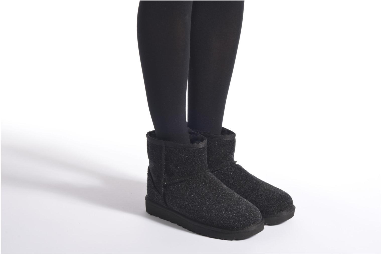 Bottines et boots UGG W Classic Mini Serein Noir vue bas / vue portée sac