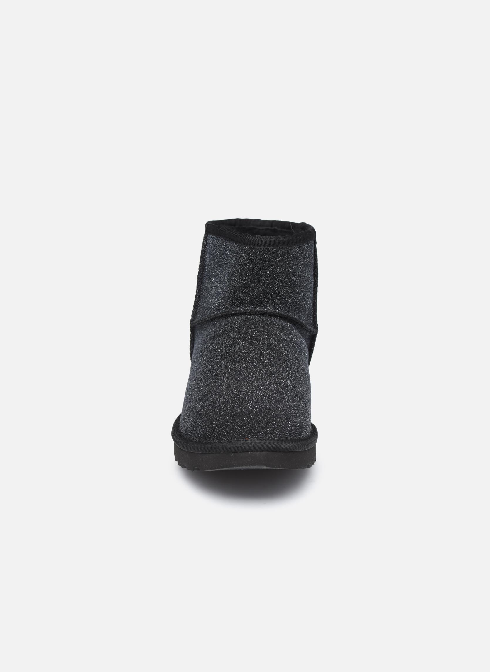 Bottines et boots UGG W Classic Mini Serein Noir vue portées chaussures