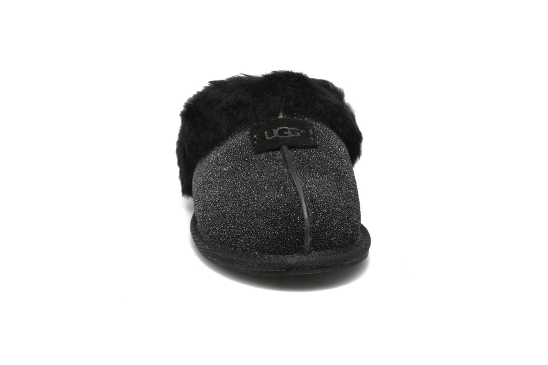 Hausschuhe UGG W Scuffette II Serein schwarz schuhe getragen