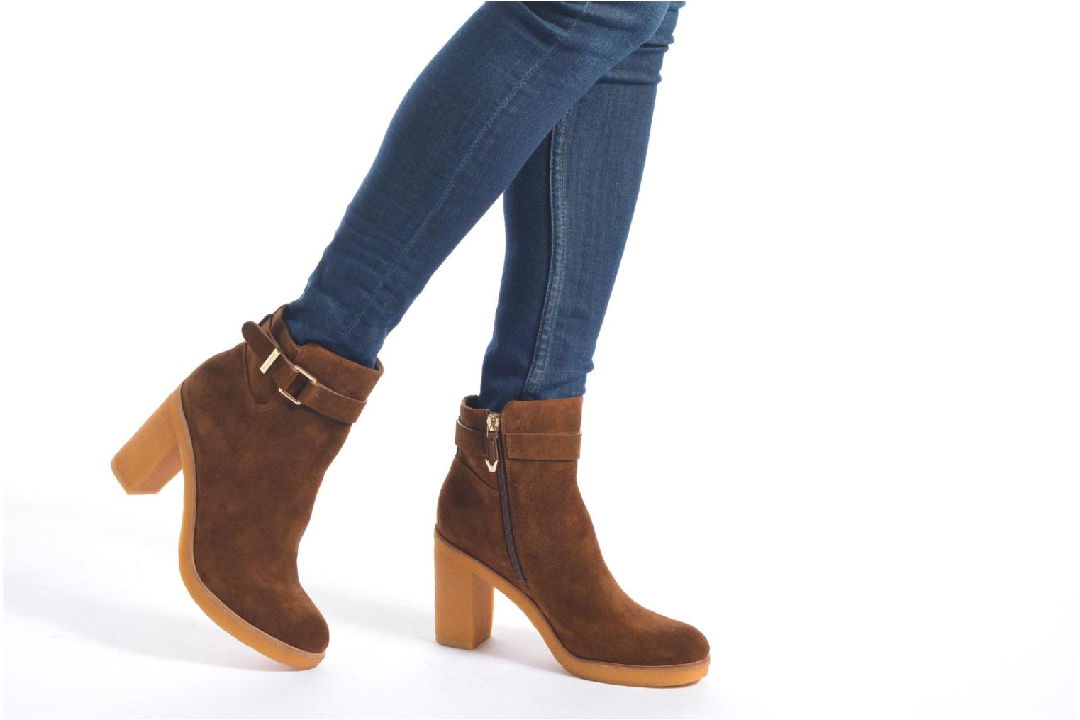 Ankle boots What For Ofo Brown view from underneath / model view