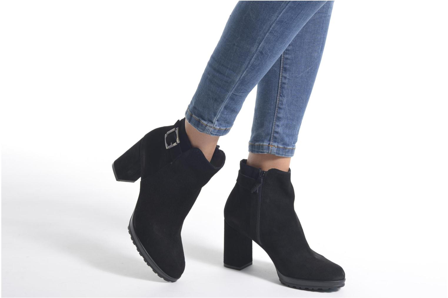 Ankle boots Elizabeth Stuart Syndi 334 Black view from underneath / model view