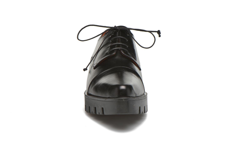 Schnürschuhe Elizabeth Stuart Millau 304 schwarz schuhe getragen