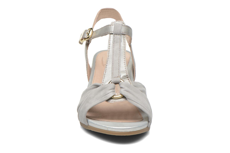 Sandales et nu-pieds Stonefly Sweet II 22 GO Gris vue portées chaussures
