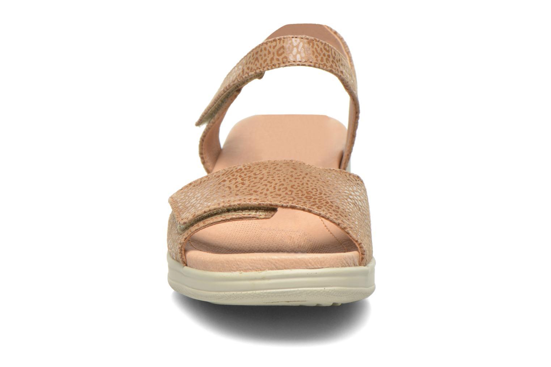 Sandales et nu-pieds Stonefly Aqua II 7 Goat Beige vue portées chaussures
