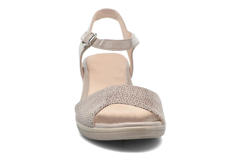 Sandales et nu-pieds Stonefly Vanity III 6 Beige vue portées chaussures
