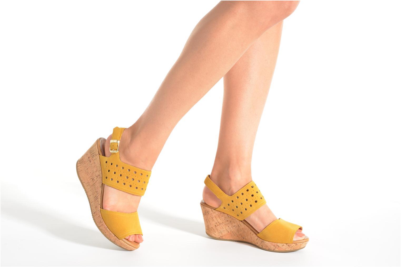 Sandales et nu-pieds Stonefly Marlene 19 Velour Jaune vue bas / vue portée sac