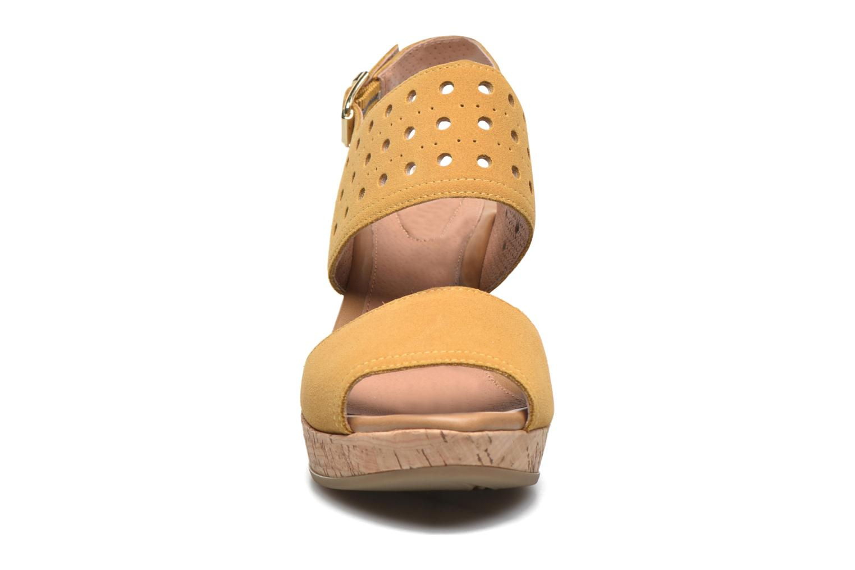 Sandalen Stonefly Marlene 19 Velour gelb schuhe getragen