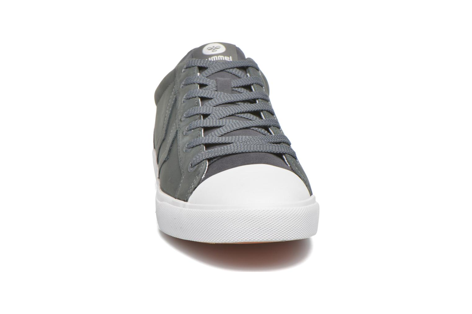 Trainers Hummel Baseline Court Leather Grey model view