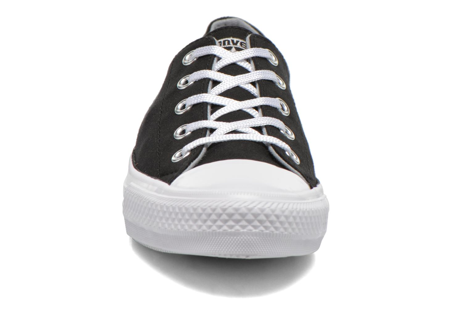 Sneakers Converse Chuck Taylor All Star Gemma Twill Ox Nero modello indossato
