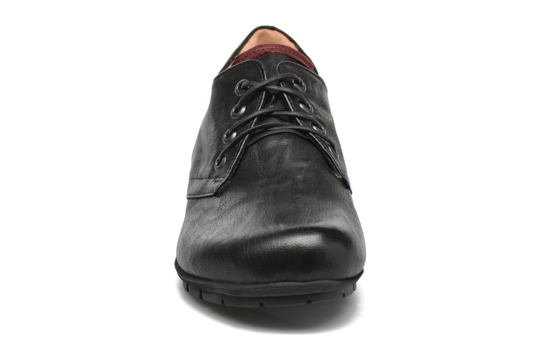 Scarpe con lacci Think! Menscha 87070 Nero modello indossato