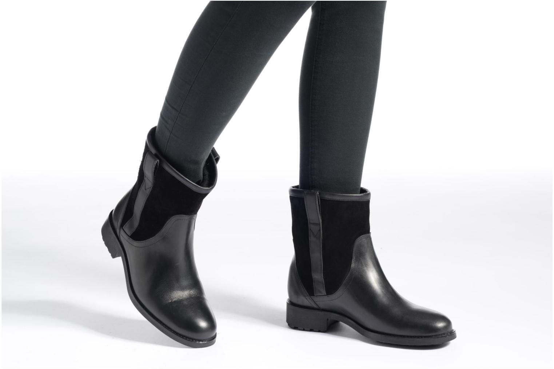 Bottines et boots Aigle Chanteside Low Fur Noir vue bas / vue portée sac