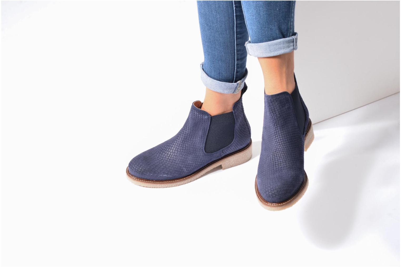 Bottines et boots Bensimon Boots semelle crepe Marron vue bas / vue portée sac