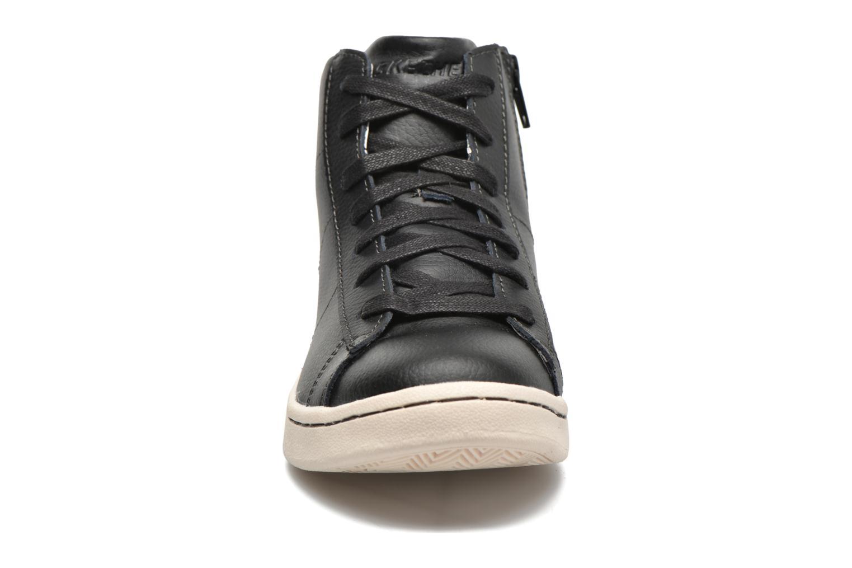 Baskets Skechers Outgo Noir vue portées chaussures