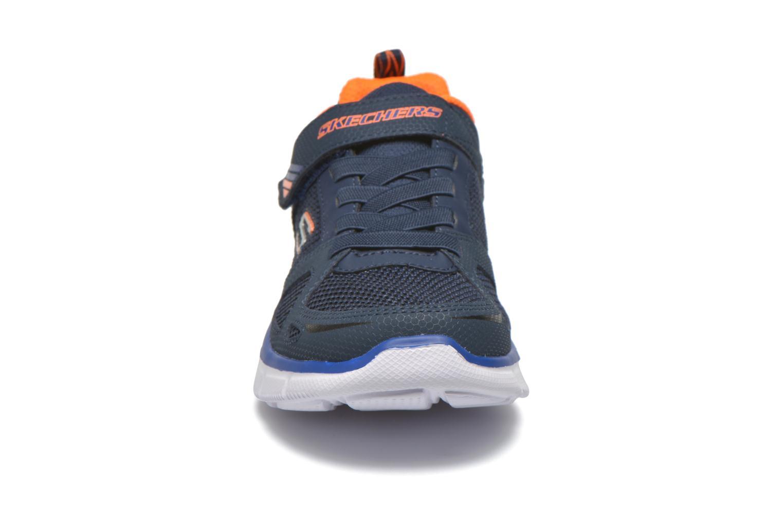 Baskets Skechers Equalizer Quick Race Bleu vue portées chaussures