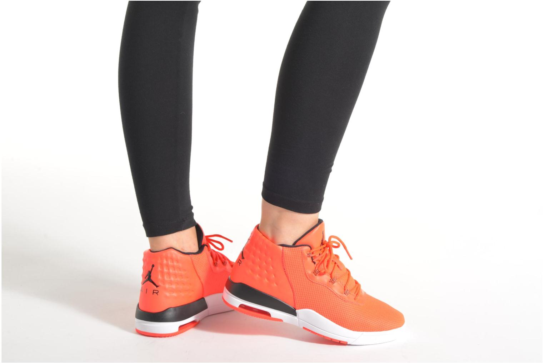 Baskets Jordan Jordan Academy Bg Orange vue bas / vue portée sac