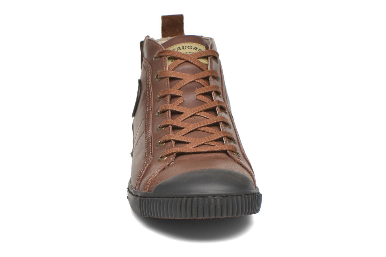 Sneaker Pataugas Brice/I braun schuhe getragen