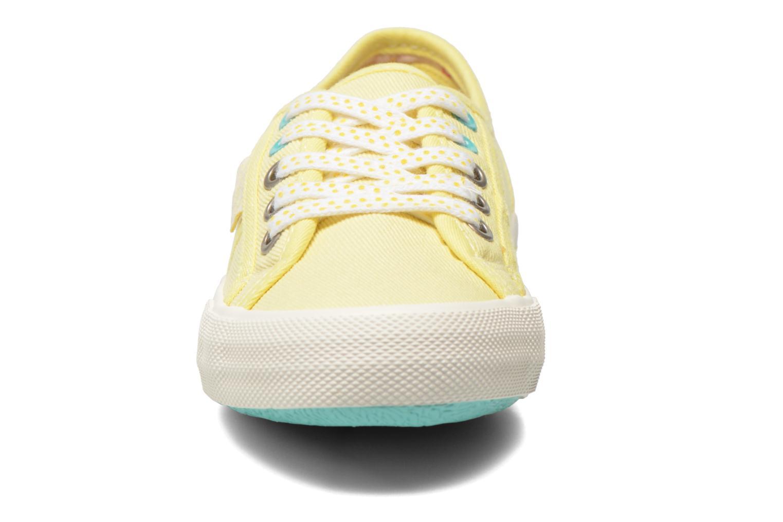 Baskets Pepe jeans Baker plain Jaune vue portées chaussures