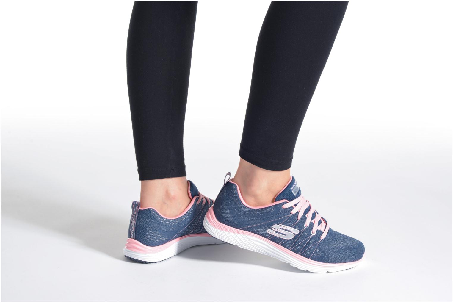 Sport shoes Skechers Valeris Blue view from underneath / model view
