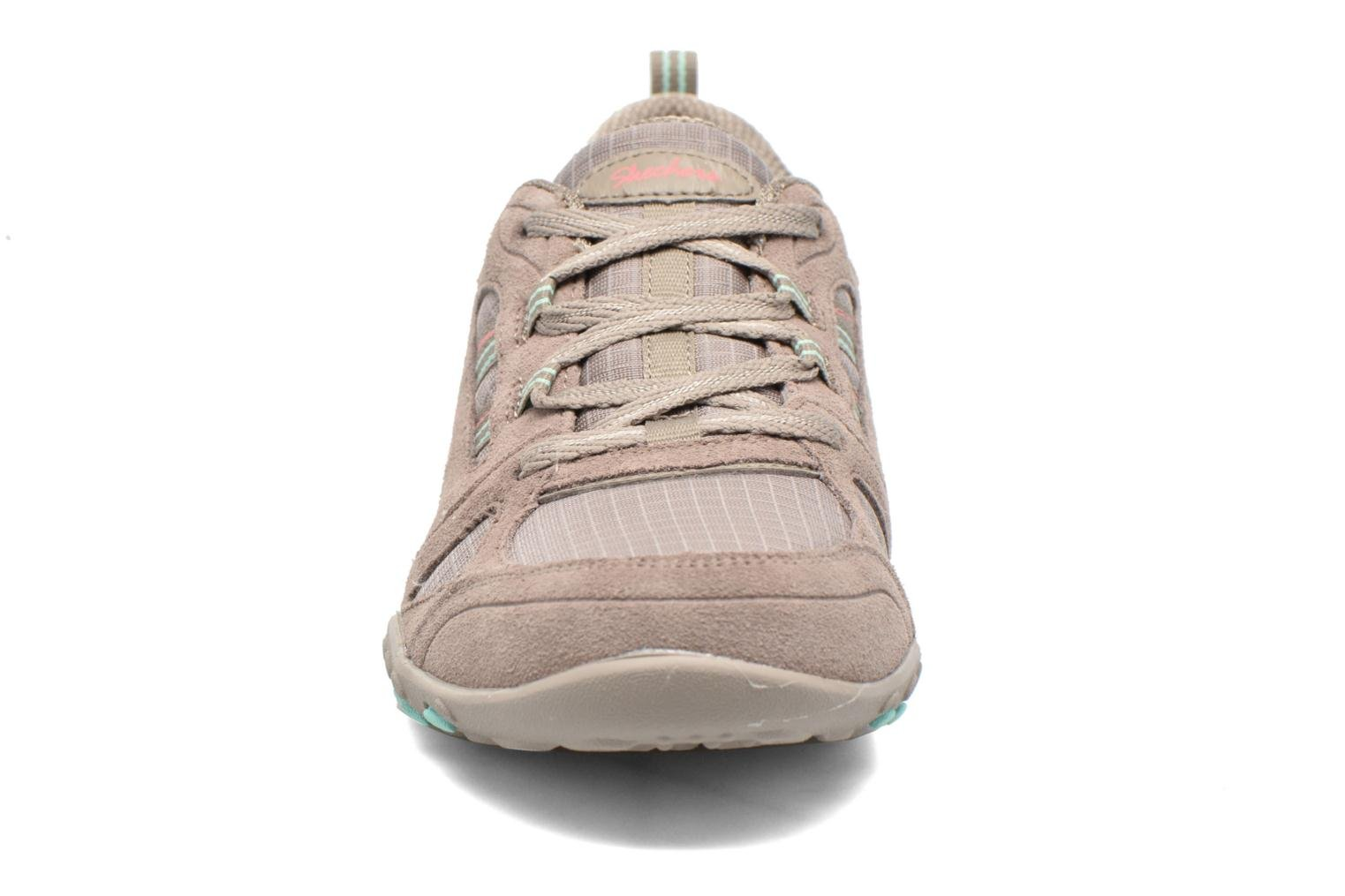 Deportivas Skechers Breathe-Easy - Good Gris vista del modelo