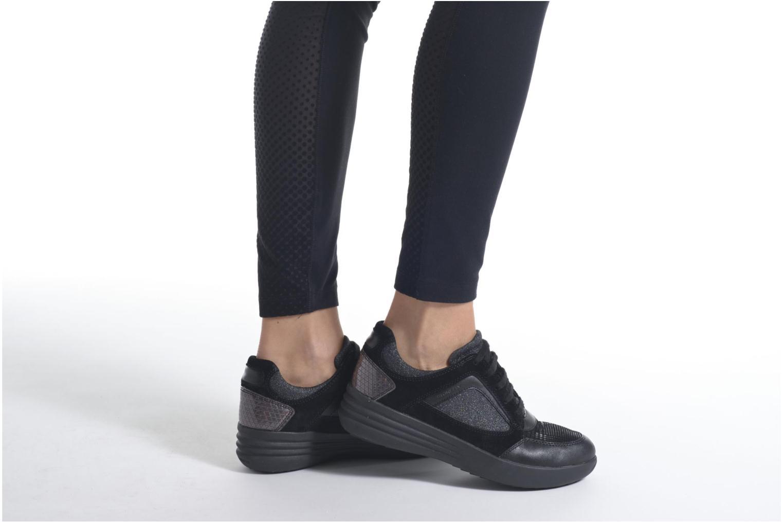 Sneaker Stonefly Romy 11 schwarz ansicht von unten / tasche getragen