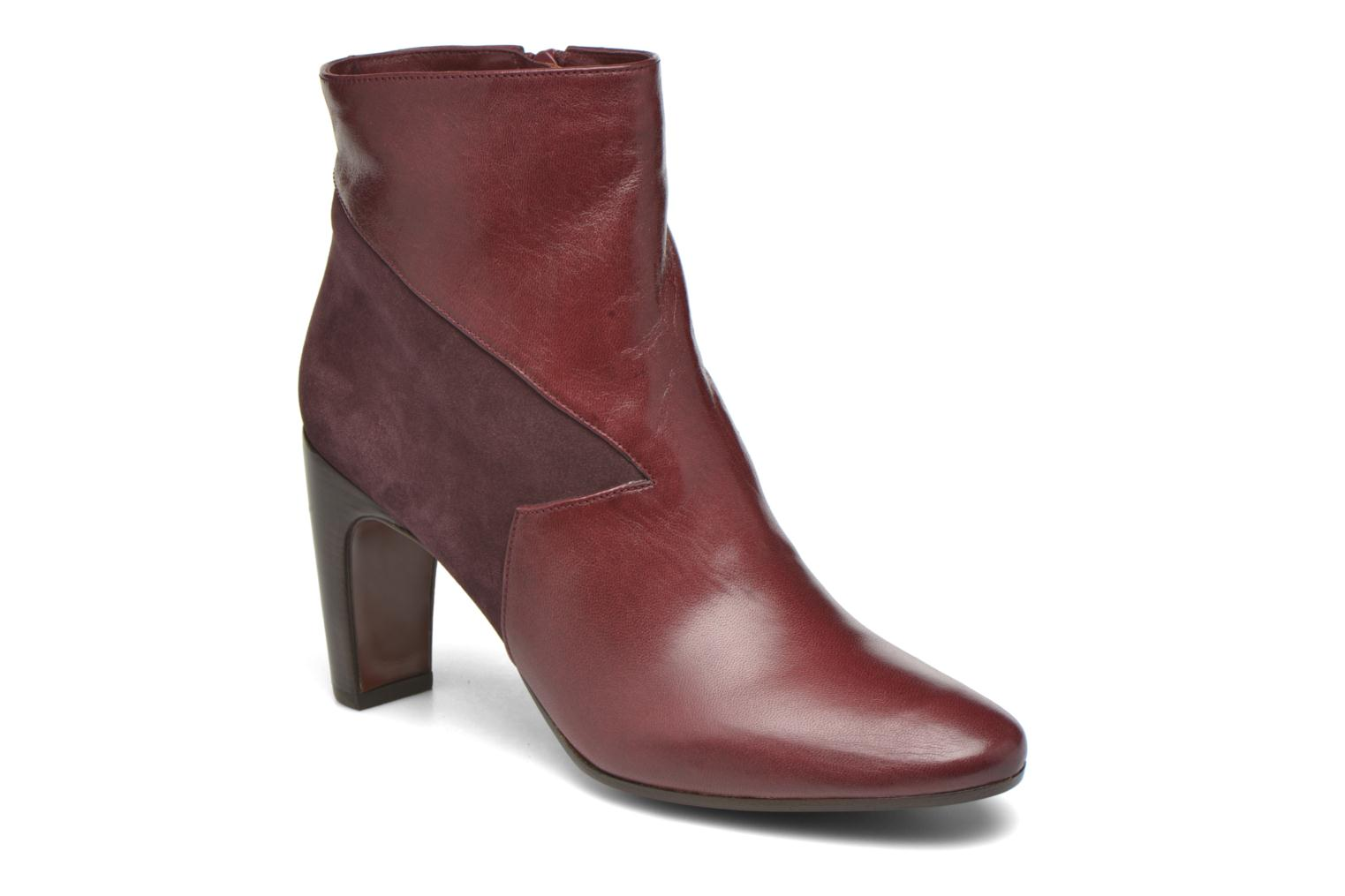 Ankle boots Chie Mihara Flint-C Burgundy detailed view/ Pair view