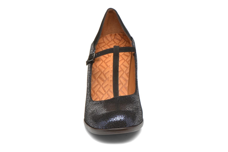 Zapatos de tacón Chie Mihara Atipo Azul vista del modelo
