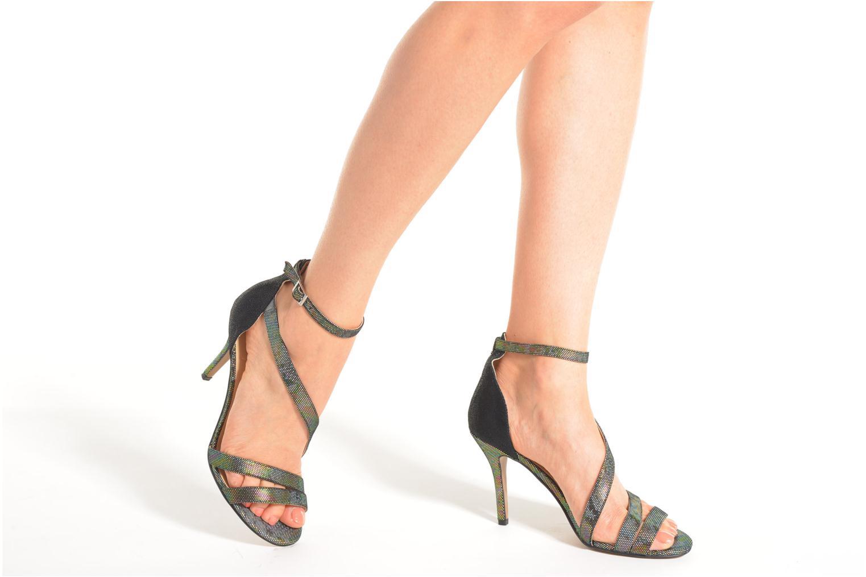 Sandales et nu-pieds Divine Factory Flufia Noir vue bas / vue portée sac