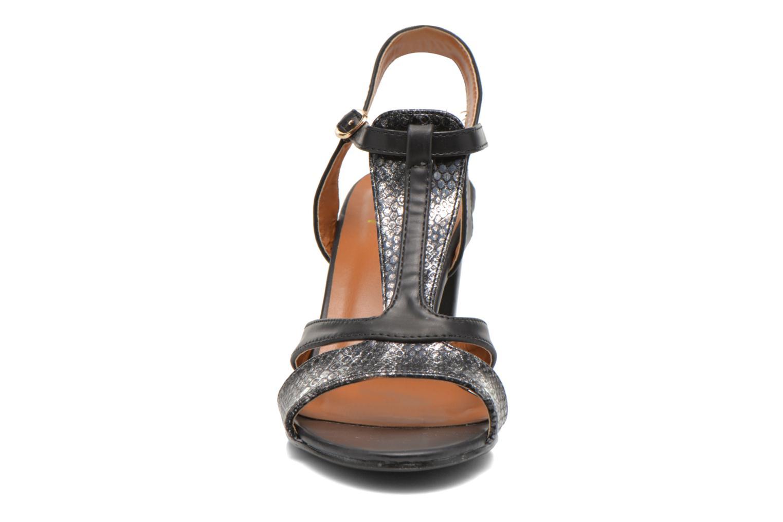 Sandales et nu-pieds Divine Factory Yolina Noir vue portées chaussures