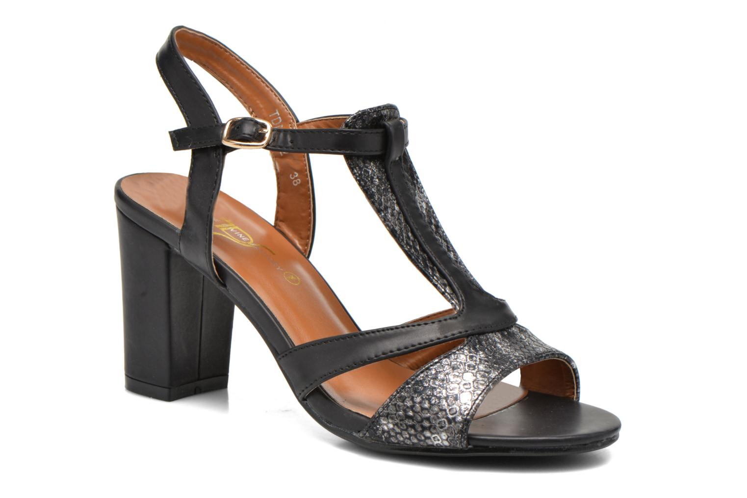 Sandals Divine Factory Yolina Black detailed view/ Pair view