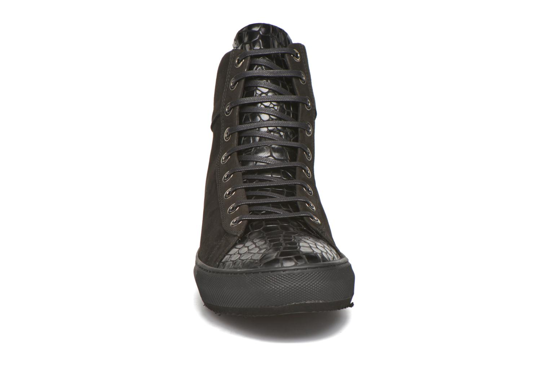 Sneaker Karl Lagerfeld Adolfo schwarz schuhe getragen