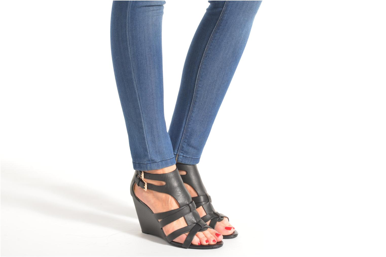 Sandales et nu-pieds Buffalo Evelina Noir vue bas / vue portée sac