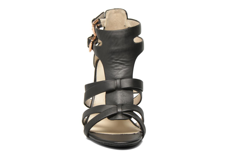Sandales et nu-pieds Buffalo Evelina Noir vue portées chaussures