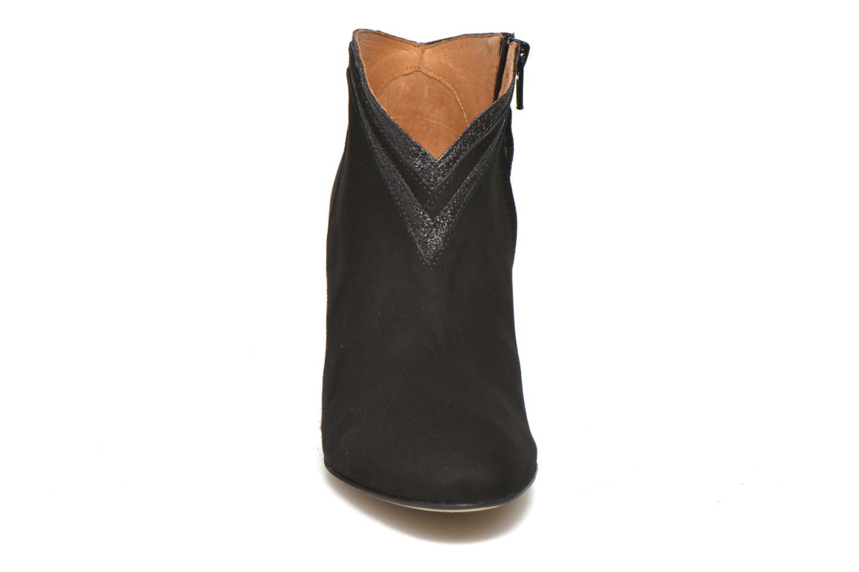 Bottines et boots Petite mendigote Granier Noir vue portées chaussures
