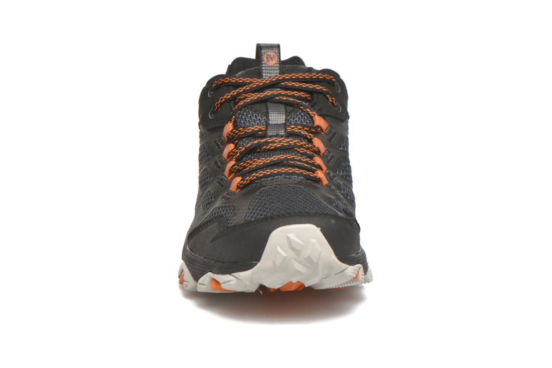 Chaussures de sport Merrell Moab FST Gore Tex Noir vue portées chaussures