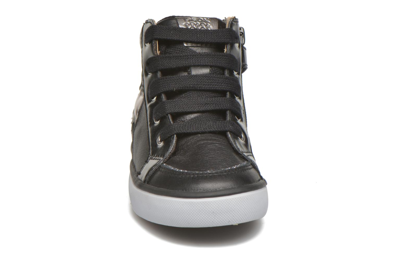 Sneaker Geox B Kiwi Girl B54D5E schwarz schuhe getragen