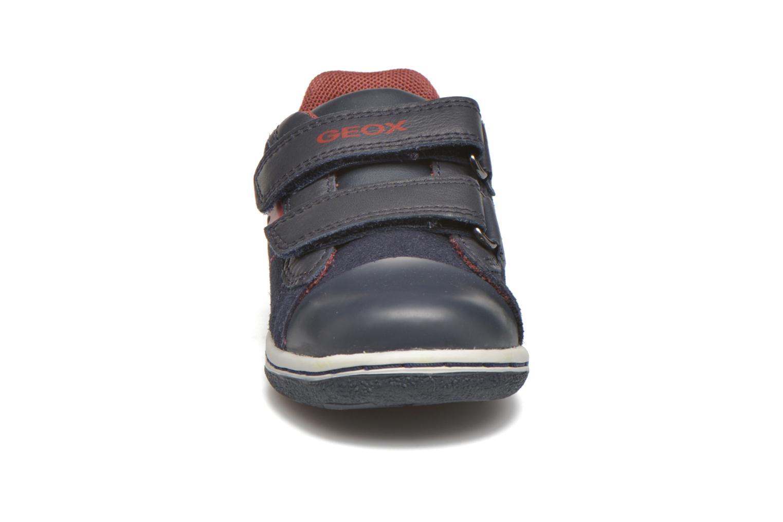 Baskets Geox Baby Flick Boy B5437B Bleu vue portées chaussures
