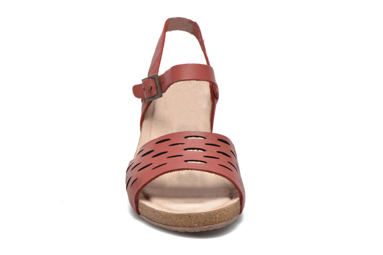 Sandalen TBS Riffah rot schuhe getragen