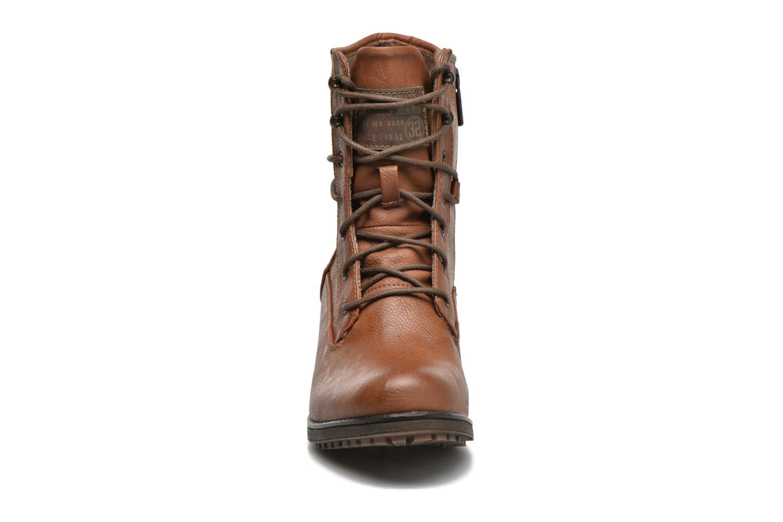 Bottines et boots Mustang shoes Muasta Marron vue portées chaussures