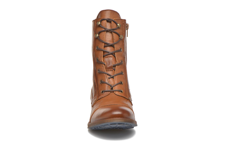 Bottines et boots Mustang shoes Munie Marron vue portées chaussures