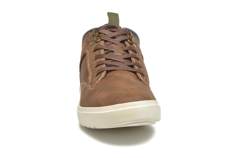 Sneakers André Venoy Brun bild av skorna på