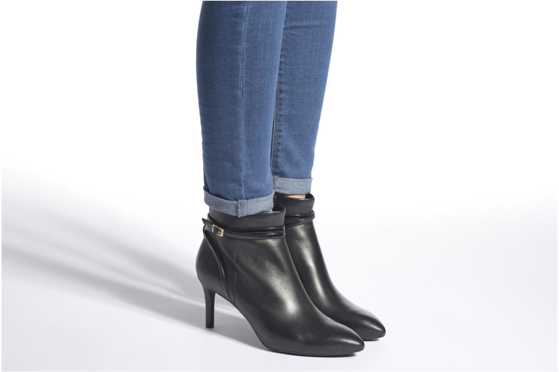Bottines et boots Rockport TM75MMPTH Strap Bootie Noir vue bas / vue portée sac