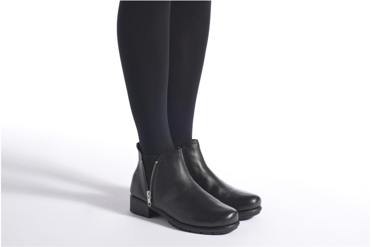 Ankle boots Aerosoles Just In Case Black view from underneath / model view
