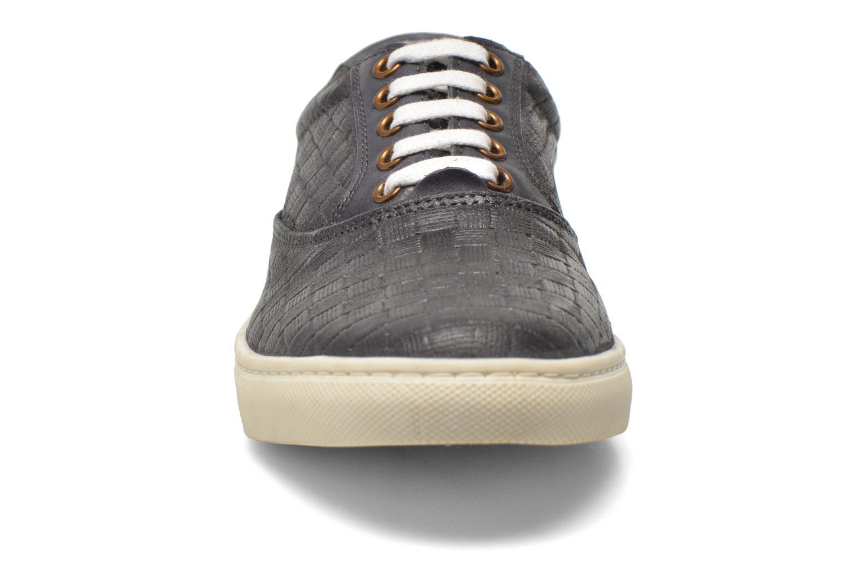 Sneakers Kickers Villanis Grijs model