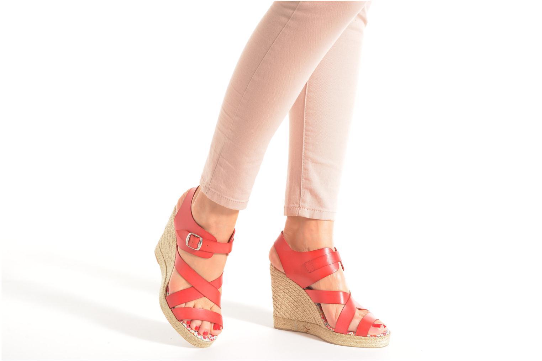 Sandalen Pare Gabia Othello rot ansicht von unten / tasche getragen