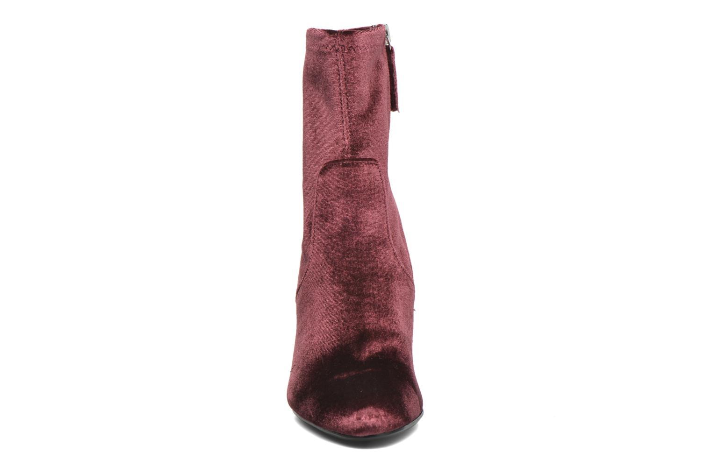 Bottines et boots Steve Madden Editt Bordeaux vue portées chaussures